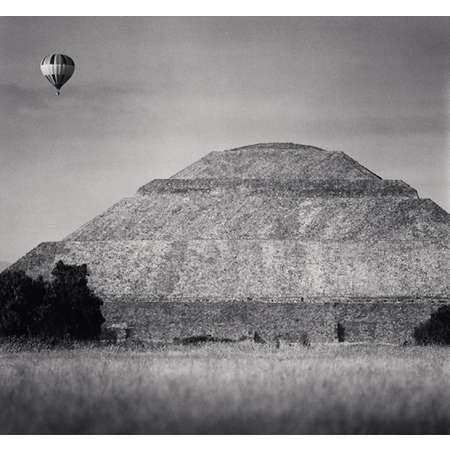 Balloon and Pyramid of the Sun, Teotihuacan, Mexico