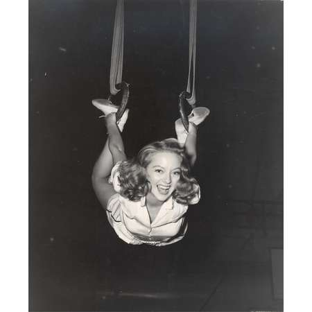Evelyn Keyes in the Air